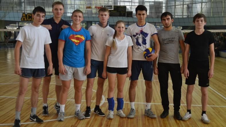 Студенты института заняли второе место по волейболу в Спартакиаде первокурсников СГЮА