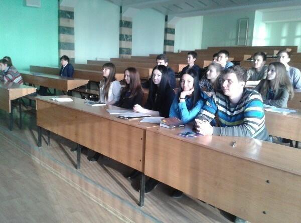 Состоялось заседание кружка по Конституционному праву «Конституция РФ: сохранять или изменять?»