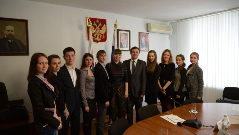 Учащиеся СГЮА приняли участие во встрече с руководителем аппарата главного федерального инспектора по Саратовской области