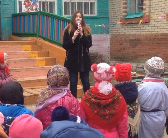 Студенты Института правоохранительной деятельности приняли участие  в праздновании проводов Зимы в селе Тростянка Балашовского района