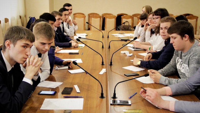 Проведен первый этап Чемпионата соревнований по парламентским дебатам – организованный студенческим дискуссионным клубом «Точка Зрения»