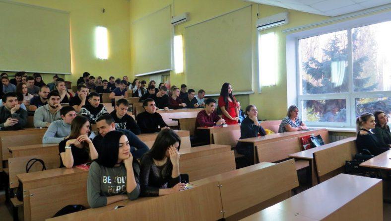 В Институте прошла встреча студентов 5 курса с начальником Управления организации дознания ГУ МВД РФ по Саратовской области