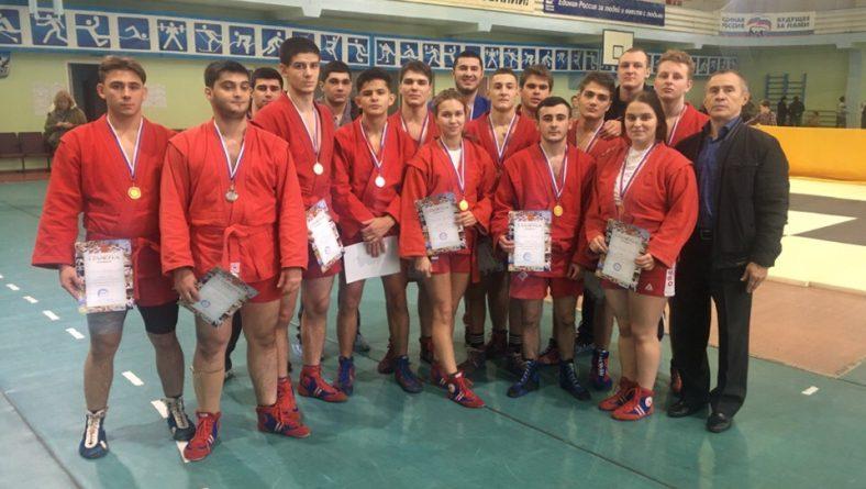Состоялся чемпионат Саратовской области по борьбе самбо среди юниоров и юниорок-отбор на первенство приволжского федерального округа.
